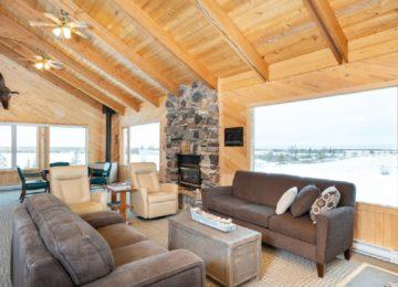 Wilson cabin lounge Queen bedroom©Dymond Lake Eco Lodge-Scott Zielke