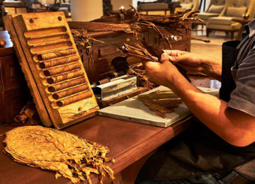 Zigarrenherstellung Tabak Lounge © Kempinski Hotels