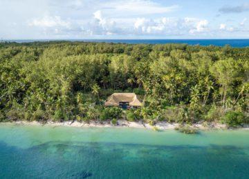 alphonse-accommodation-beach-villa-4col-1st-100percent-1-photo-outside-view-of-luxury-private-beach-villa-01