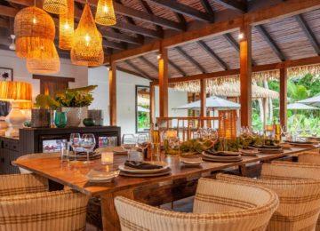 alphonse-accommodation-beach-villa-dining-area-in-beach-villa
