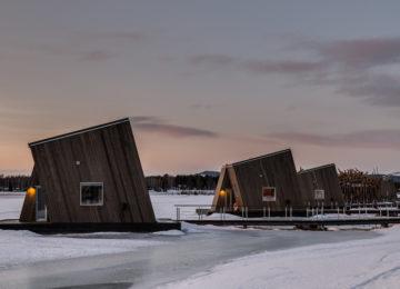 Arctic-bath-water-cabins-photo-daniel-holmgren
