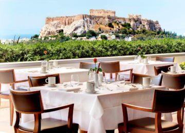 Hotel Grande Bretagne mit Blick zur Akropolis