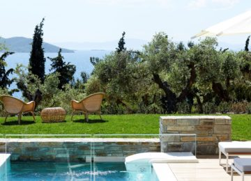 Eagles Villas Halkidiki©Residential-two-bedroom-pool-villa-with-private-garden