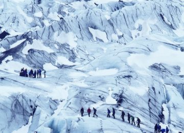 Glacier Hiking People © Svart.no