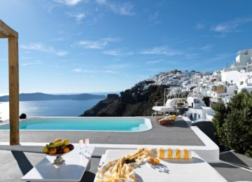 Luxus Villa mit Blick auf die Caldera ©Katikies Chromata Santorini