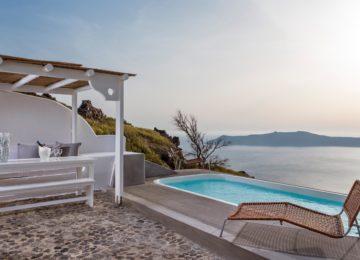 Terrasse Meerblick Blick auf die Caldera ©Katikies Chromata Santorini