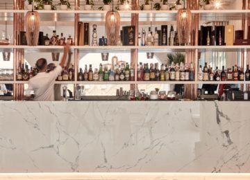Seltz Champagner Bar & Restaurant Mykonos von Fleur de Miraval ©Katikies Mykonos