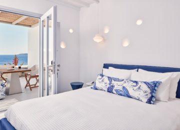 Senior Suite mit Whirlpool im Freien und Meerblick ©Katikies Mykonos