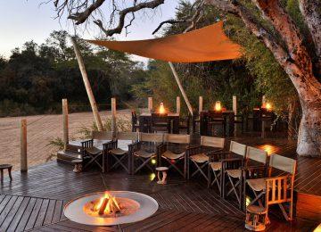 Rhino Post Safari Lodge Außenbereich