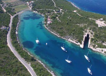 Luxusyacht chartern im Mittelmeer